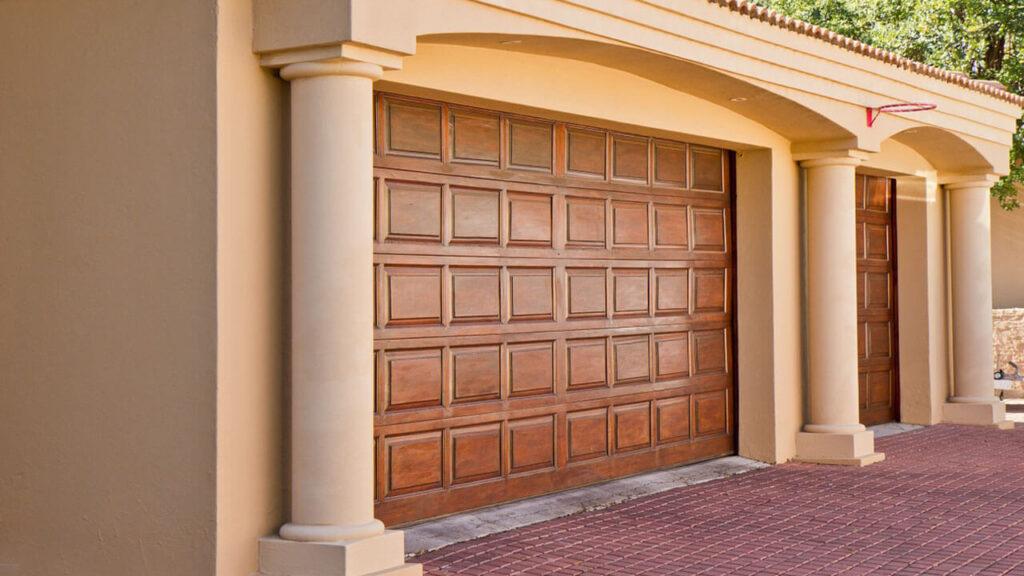 Garage Door Installers in Long Beach